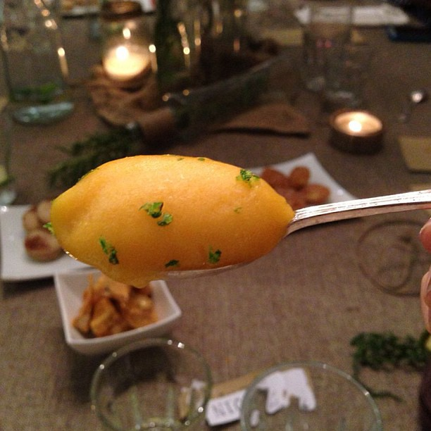 The perfect scoop of mango goodness. #kitchentablesc @mwt06 @mylow1986 #dessert #sugar #sweet #mango