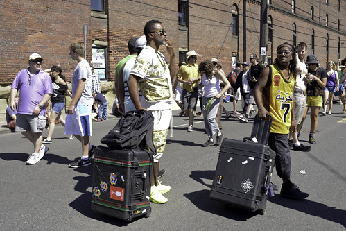 Shabazz Palaces Arrive with Gear