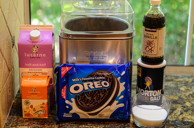 All the ingredients required to make Easy Homemade Cookies and Cream Ice Cream.