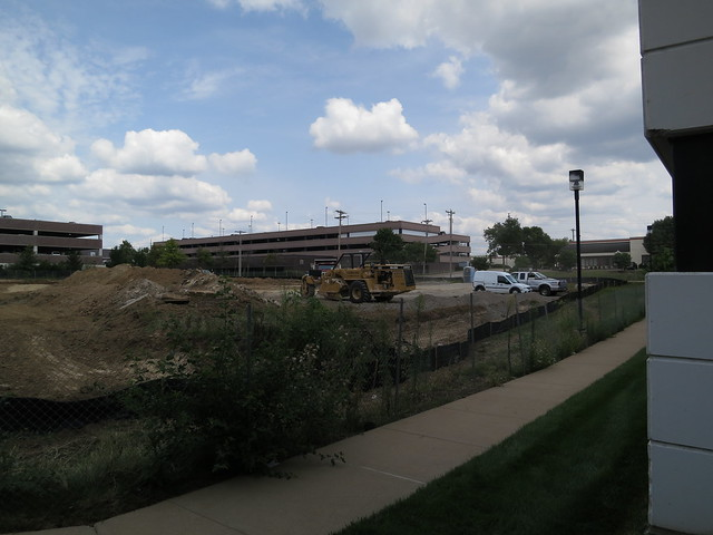 New Construction in Creve Coeur - Rumors say more parking | Flickr ...