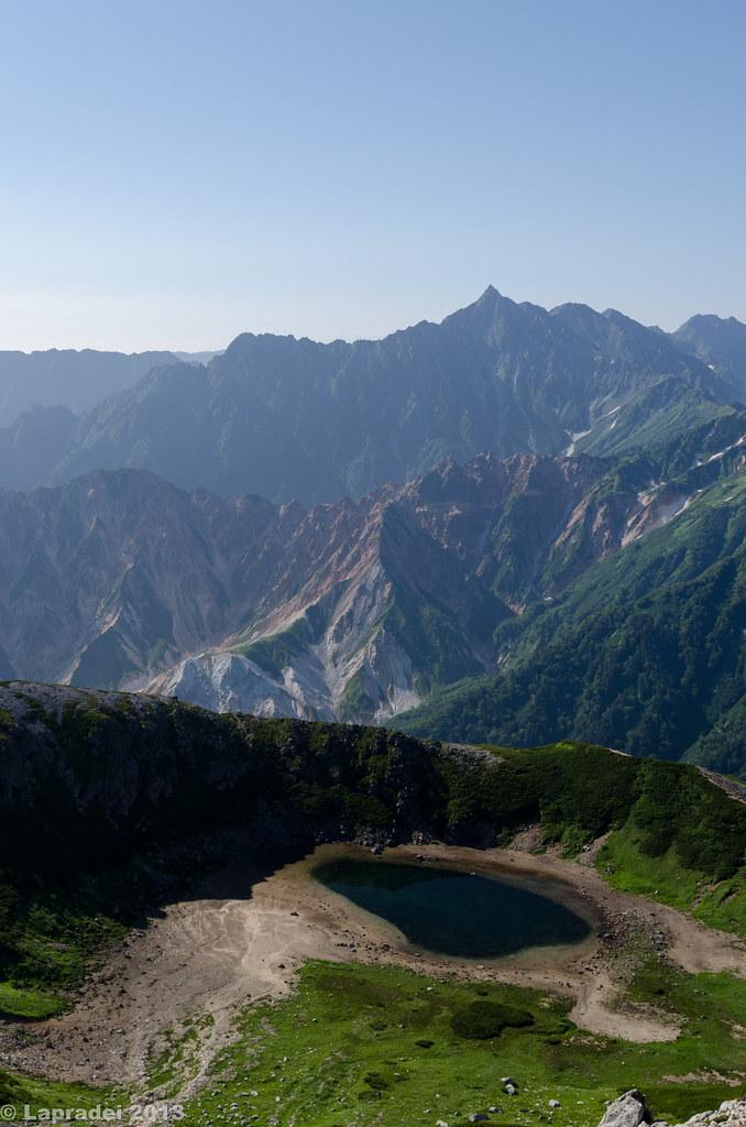 鷲羽湖と槍ヶ岳