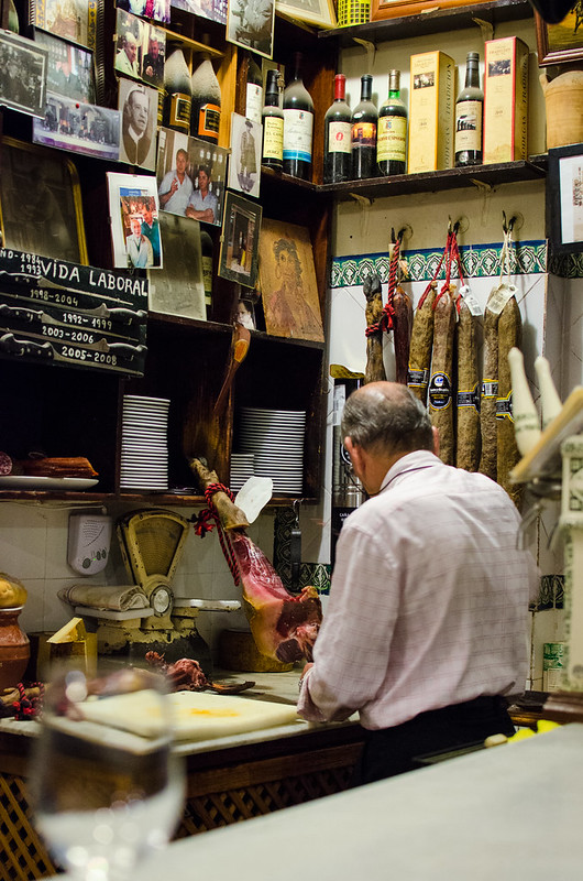 The owner of Las Teresas carefully slices his delicious Jamon Iberico de Bellota.