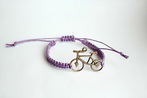 claires-macrame-bracelet