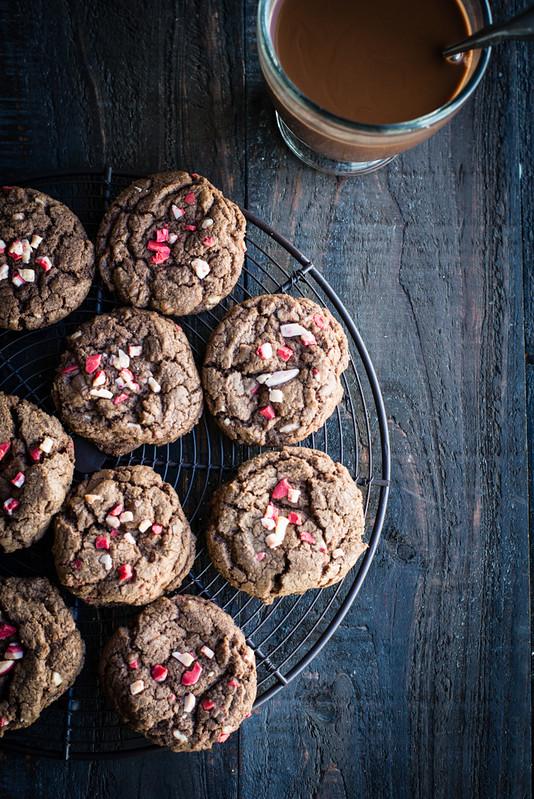 Peppermint Hot Chocolate Cookies #ShareTheJoy www.pineappleandcoconut.com