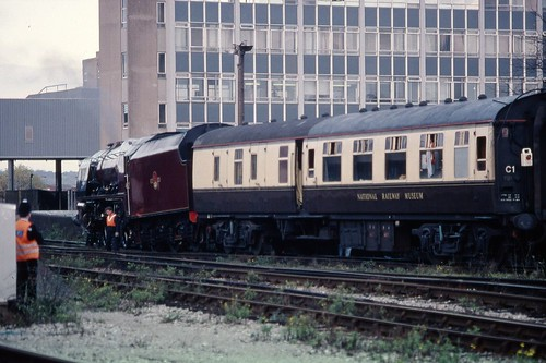 LMS 8P 'Coronation' 4-6-2 46229 'Duchess of Hamilton' derailed tender, Bristol Temple Meads 6.11.1994 Scans014