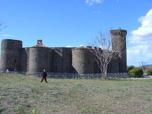 Die Burg der Abbadia bei Vulci