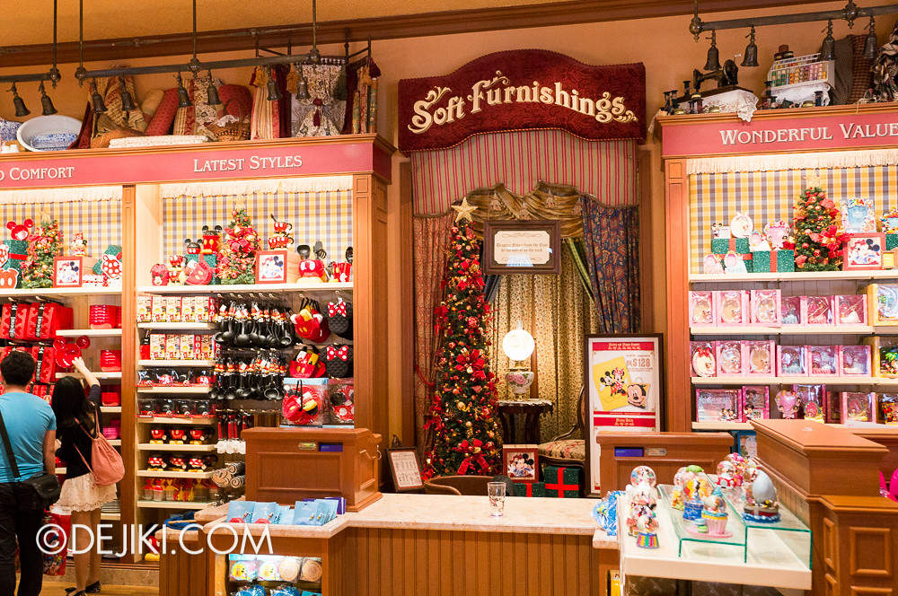 HKDL - Main Street USA Christmas Town - Shopping