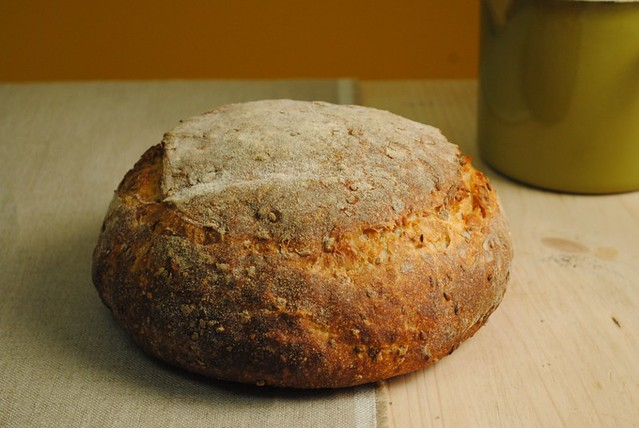 Rye and linseed loaf