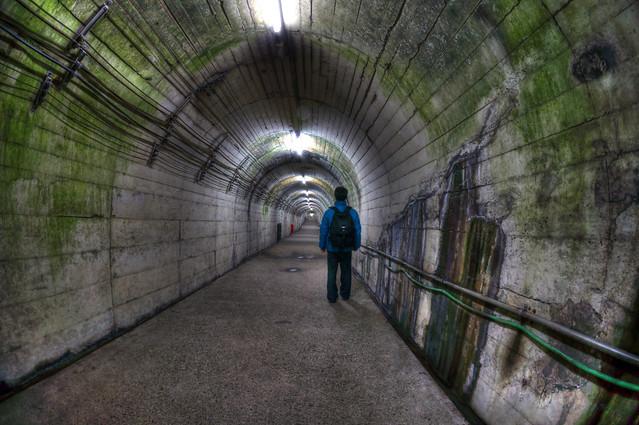 写真_地底への道2