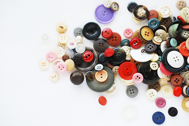 Wild Olive 25 Crafts Of Christmas Buttons