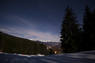 Piest by night - Looking over La Tania