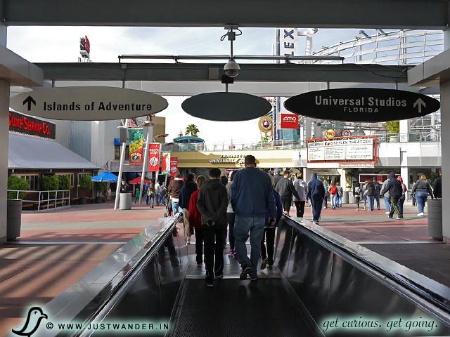 PIC: Walkway to Universal City Walk