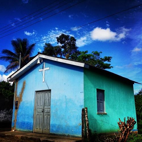 Onde mora a fé #igreja #church   #sanctuary #fé #bahia #brasil #cruz #caminhosdafe #mesquita #santuário #deus #2014  #followme