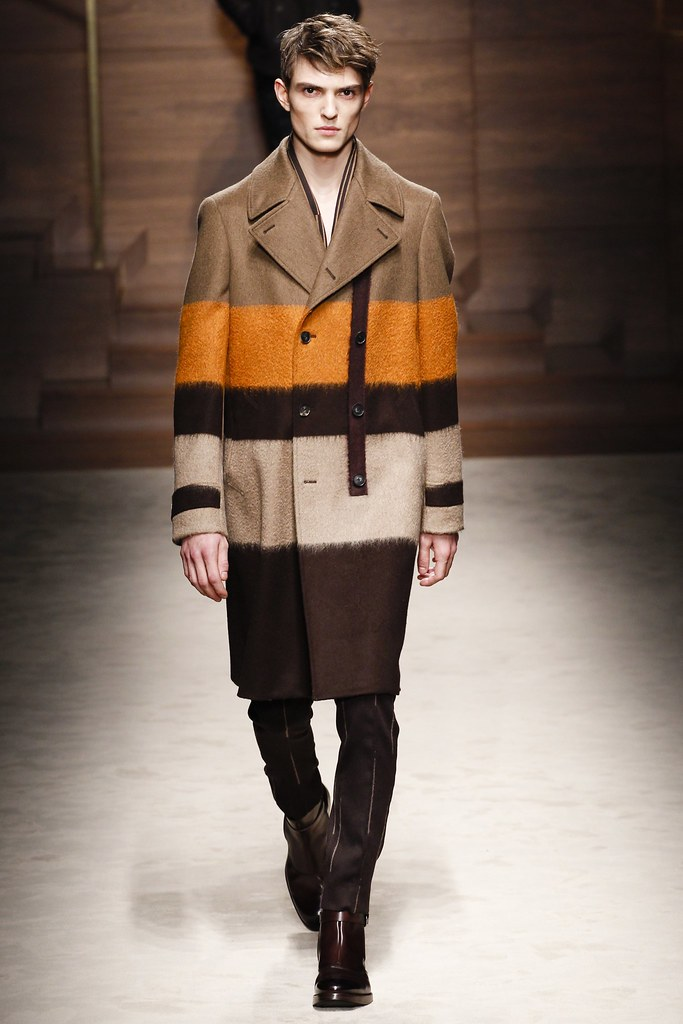FW14 Milan Salvatore Ferragamo003_Guerrino Santulliana(VOGUE)