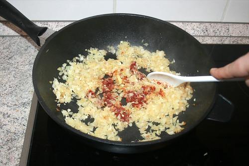 39 - Tomatenmark anrösten / Braise tomato puree