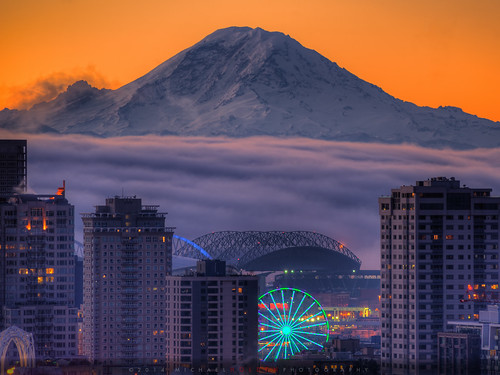 seattle fog sunrise stadium awesome rainier mtrainier