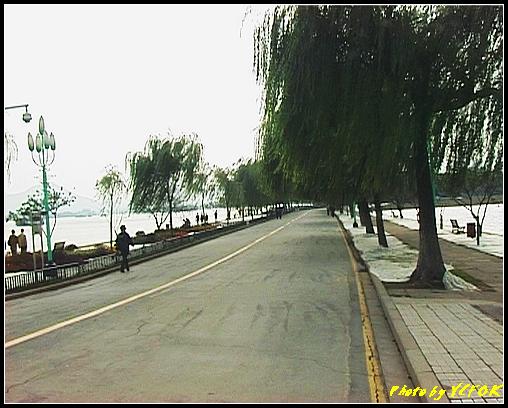 杭州 西湖 (其他景點) - 154 (白堤 左是西湖右是北裡湖)