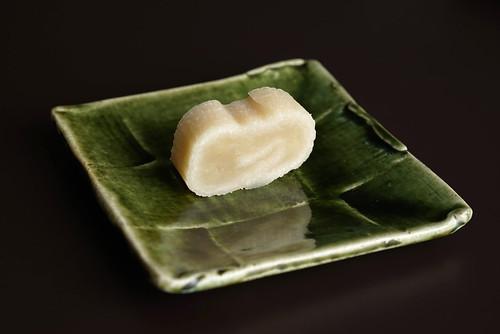 Haku Unryu (White Bean Cake)
