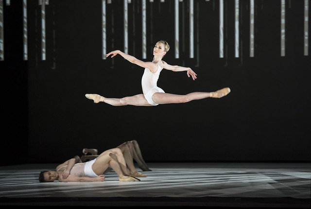 Sarah Lamb and Artists of the Royal Ballet in Connectome, The Royal Ballet © ROH / Bill Cooper 2014