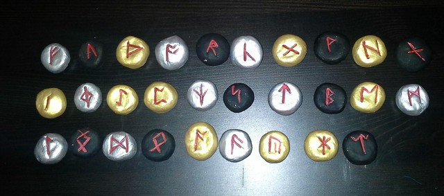 Painted Saxon futhorc rune set