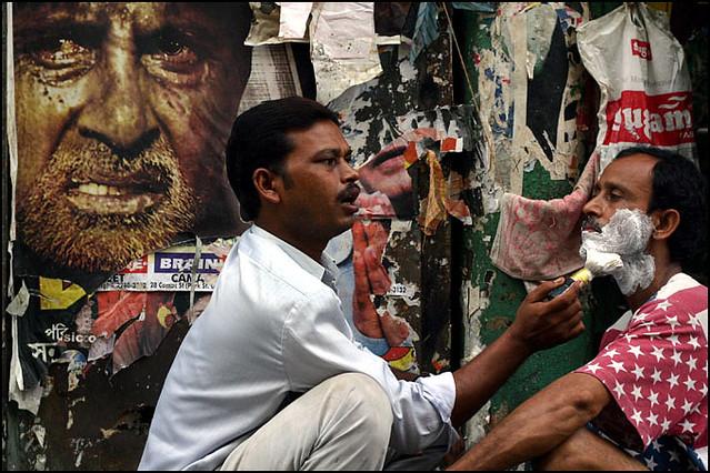Street shave - Kolkata, India