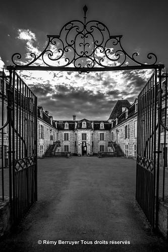 Château du Bosc, cour intérieure