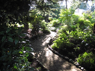 Galicic Garden Shade Path