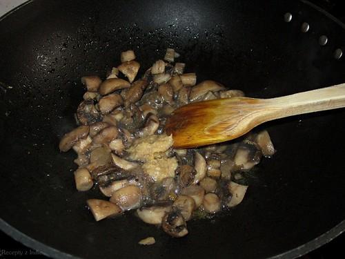 22malai mushroom matar a sadenie hub 007