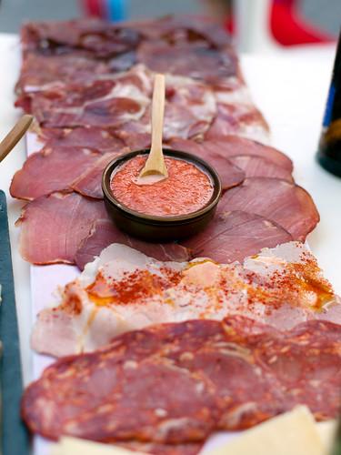 Spanish tapas: cecina (curing beef), jamón ibérico, lomo (loin), lacón (ham), chorizo, queso de oveja (cheese sheep's milk), tomate (tomato rubbed)