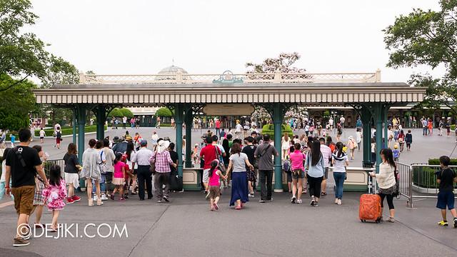 Tokyo Disneyland - Entrance Plaza