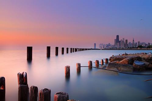 longexposure sky chicago sunrise canon dawn lakemichigan lakeshoredrive downtownchicago johnhancockbuilding chicagoist forana 1755mmlens fullertonparkway violettoblue peachtoyellow fullertonpier canonrebleeost1i