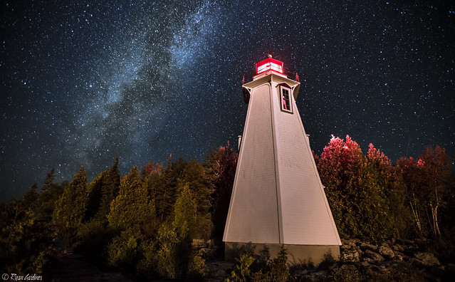Lighthouse and Milkyway