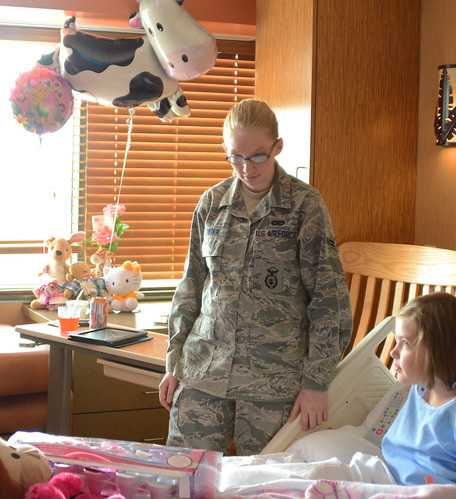 Military Volunteers Deliver Toys to Children
