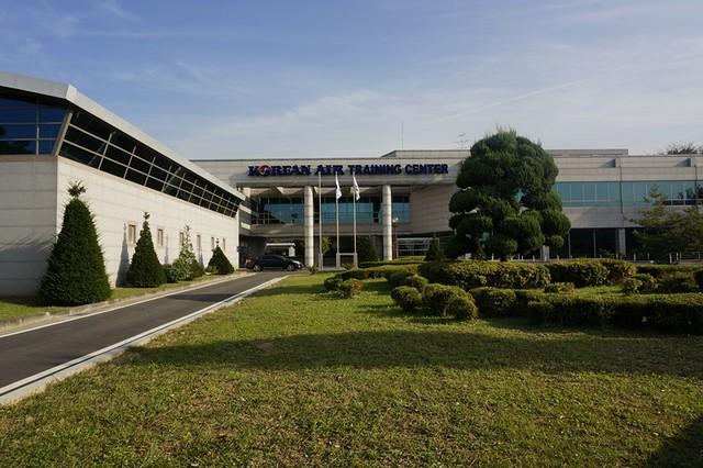Korean Air Building - Korea - Aviation Facility Tour - asian on air blogger-023