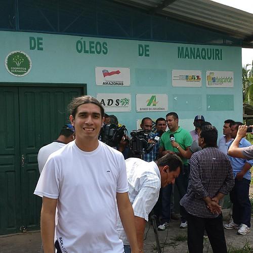 Acompanhando o deputado Josué Neto em uma visita bastante produtiva ao município de Manaquiri.