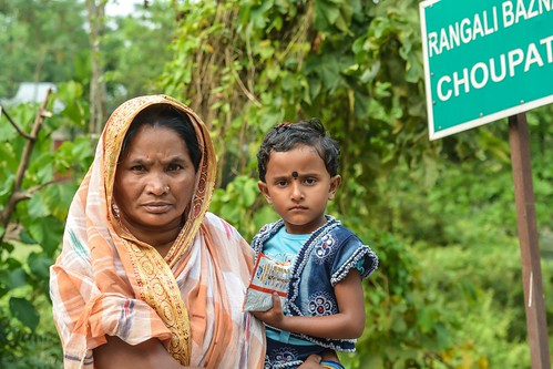 travel nepal people india asia westbengal ranicherateagarden