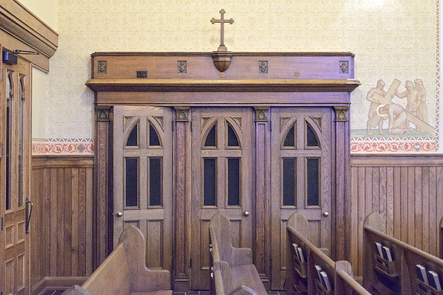 Saint John the Evangelist Roman Catholic Church, in Paducah, Kentucky, USA - confessional
