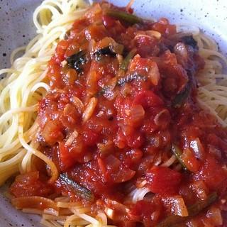 ほうれん草とアンチョビのトマトソースパスタ #lunch
