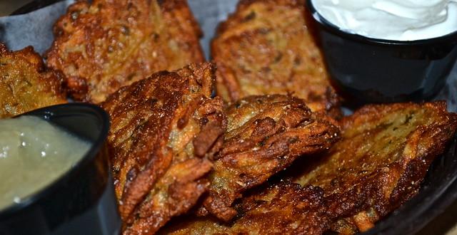 TooJays Gourmet Deli, Florida - potato pancakes (latkas)