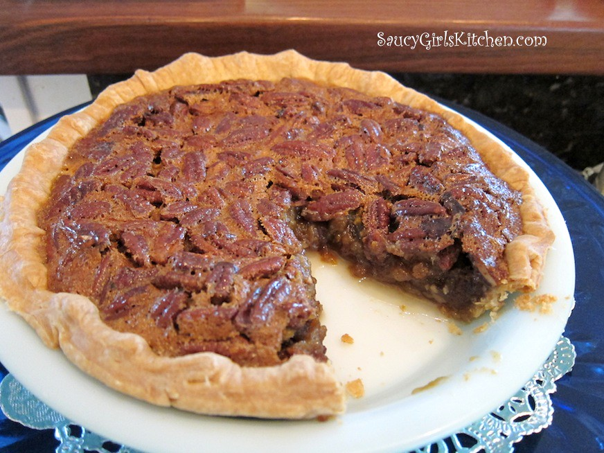 the best pecan pie in the world! http://www.saucygirlskitchen.com/2013/12/31/the-best-pecan-pie-in-the-world/ [flickr]