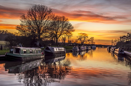 sunset sun water river evening canal nikon flood lock clear trent barge narrowboat cranfleet d5200