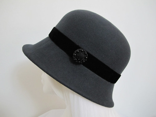 Anthracite grey wool felt hat with black velvet ribbon band and button trim