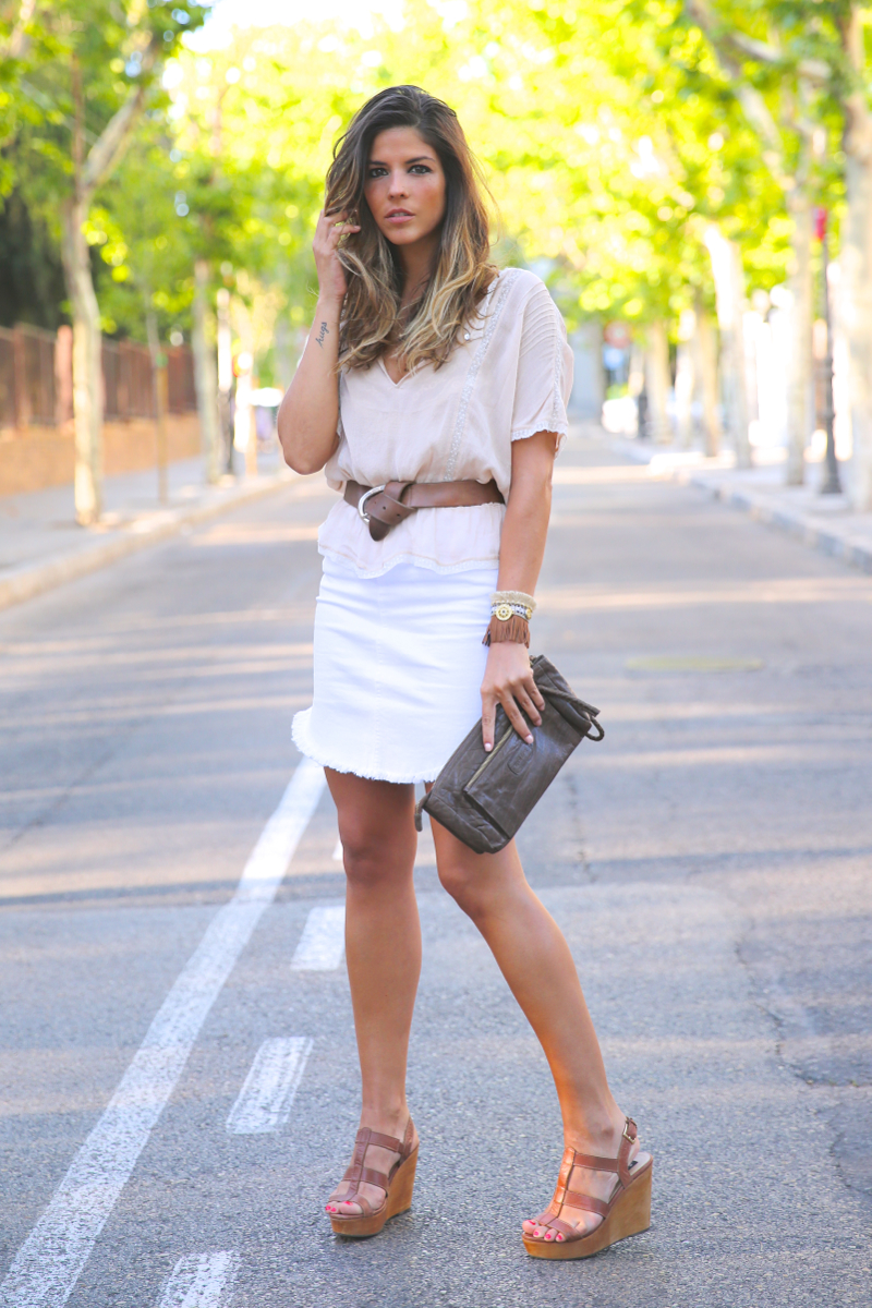 trendy_taste-look-outfit-street_style-ootd-blog-blogger-fashion_spain-moda_españa-white_skirt-falda_blanca-sandalias_cuña-wedged_sandals-13