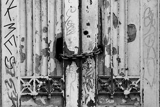 Image of Barrio Concha y Toro. blancoynegro cadenas barrioconchaytoro