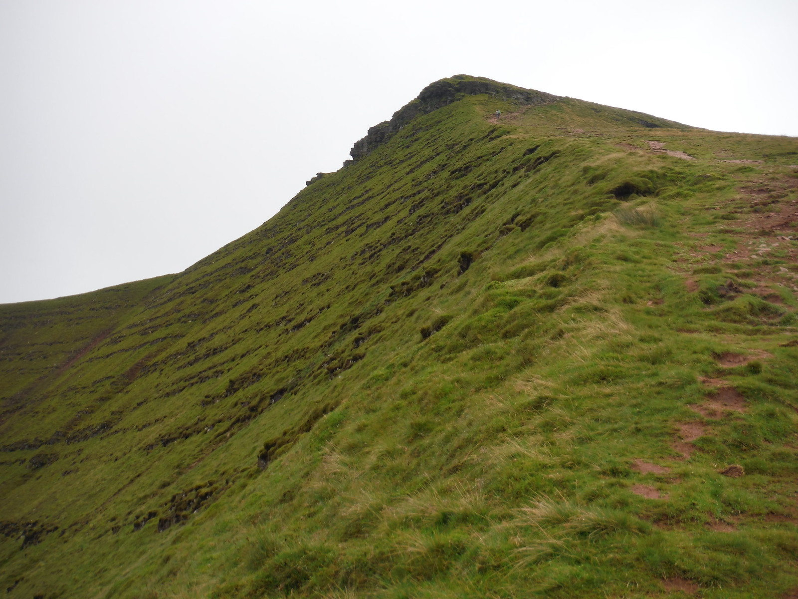 Craig Cwm Llwch (Ascent to Corn Du) SWC Walk 278 Breacon Beacons Horseshoe - Bannau Brycheiniog (Ascent from Storey Arms Car Park)