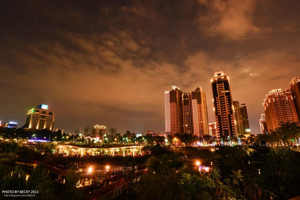 2013.Jun 台中秋紅谷。夜