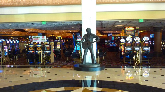 Elvis Welcomes Me At Las Vegas