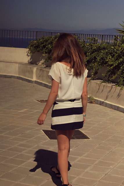 white top navy skirt