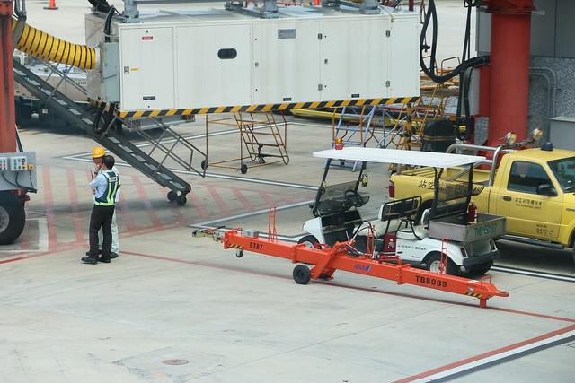 ANA自己帶來787的後推桿