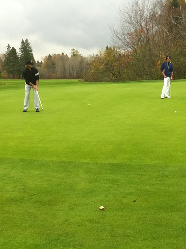 Brent Pound just misses Birdie putt (Rd 2 2013 CCAA Nationals-Bilton Jr)